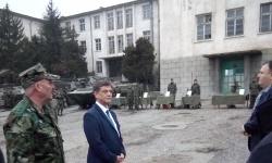 Комисията по отбрана гостува в Карлово  за празника на Сухопътни войски