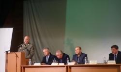 Военнослужещи от Сухопътните войски отдадоха почитна героите
