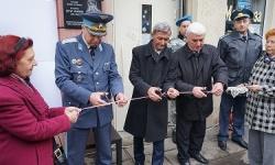 Откриха паметна плоча на летеца герой полковник Петър Манолев