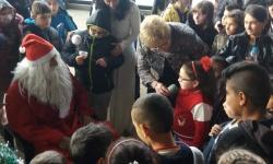 101-ви алпийски полк зарадва деца от Смолян