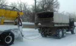 Армията продължава да помага на хората в тежката зима