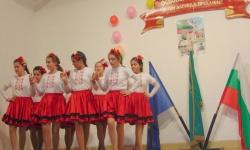 Децата в с. Езерче почетоха загиналите руски воини