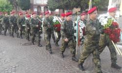 Сухопътни войски честват Априлското въстание и откриват военен паметник