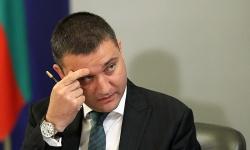 Финансовият министър съгласувал проектите за бойните машини и изтребителите