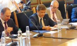 Какво пише в становището на Комисията по отбрана за бойните машини и самолетите?