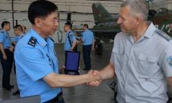 Китайска военна делегация гостува в авиобаза Граф Игнатиево