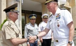 Aдмирал Джеймс Фого посети СКС