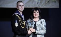 """Курсант-мичман Петър Генов от ВВМУ е """"Студент на годината за 2018"""""""
