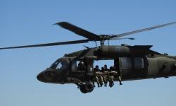 """За първи път в  бригада Специални сили скачат с парашути от вертолети  UH-60 """"Black Hawk"""""""
