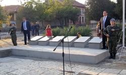 Откриха паметни плочи на загиналите воини от с. Карабунар