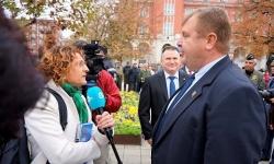 Министър Каракачанов: Искам енергичен и корпоративен началник на Военновъздушното училище