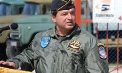 Защо полк. Юлиян Радойски ще е началник на Висшето военновъздушно училище?