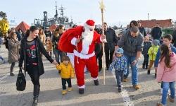 От ВМС съобщават, че Дядо Колееда и Снежанка пристигнали във Варна