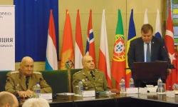 Министър Каракачанов призова армията да не бъде използвана за политически цели