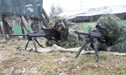 Български и американски военнослужещи демонстрираха умения при стрелба със снайперова пушка