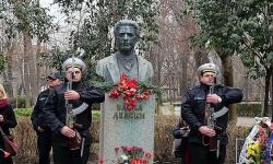 Представителни части от ВМС отдадоха почит пред паметта на Васил Левски във Варна и Бургас