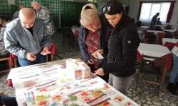 Благотворителен базар на мартенички в авиобазa Крумово