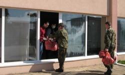 """Военнослужещи и цивилни служители от формированието в Сливен се включиха в кампания """"Заедно за теб"""