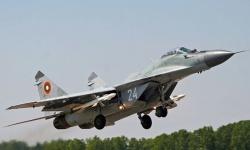 В Граф Игнатиево показаха бойните способности на авиацията