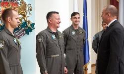 Президентът се срещна с пилотите, които първи  ще се обучават в САЩ за усвояване на новия изтребител
