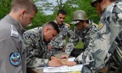 Курсанти от Военновъздушното училище преминаха курс по оцеляване в полеви условия