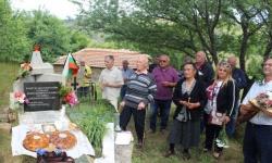Възстановихме войнишко гробище