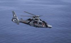 Вертолет на ВМС участва в операция по търсене и спасяване на човек зад борда