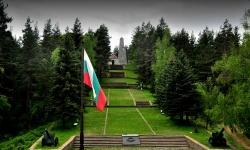 """Само в """"Отбрана"""": Как са разпределени 300 000 лева за военни паметници"""