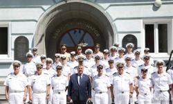 """22 курсанти от ВВМУ """"Н. Й. Вапцаров"""" получиха днес своите дипломи и първи офицерски пагони"""