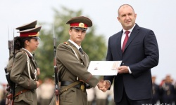 "141 курсанти от випуск ""Добруджански – 2020 "" получиха дипломи и лейтенатски пагони"