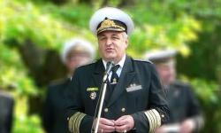 Вицеадмирал Петър Петров вече на 70 години. Честито!