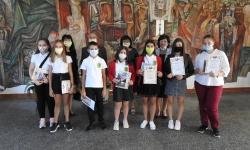 В Крумовград наградиха ученици участници в конкурса за есе за Втората световна война