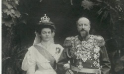 Военноинвалидите тачат царица Елеонора