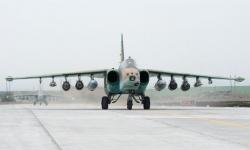 Първите два ремонтирани самолета Су-25 пристигнаха от Беларус в България