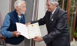 В Асеновград поздравиха и наградиха ветеран от войната, който вчера стана на 100 години
