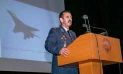 Генерал-майор Димитър Петров поздрави представители на поколенията във Военновъздушните сили