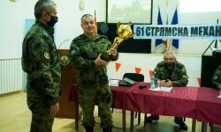 Намалява некомплектът от личен състав в 61 механизирана бригада