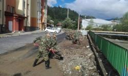 Военнослужещи от Сухопътните войски оказват помощ на населението в село Димчево, област Бургас