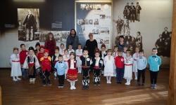 Деца от Плевен с лъвчета от ветераните почетоха Левски