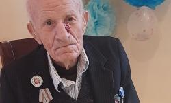 Ветеранът от Ловеч Стойко Велев навърши 99 години