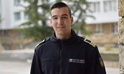 Успешен мандат на младежкия посланик на НАТО курсант главен старшина Венилин Нешев от Морско училище