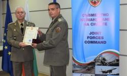 Наградиха полк.  Тодор Тодоров, национален командир на 41-ия военен контингент в Афганистан