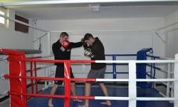 Ринг за бойни изкуства е най-новото спортно съоръжение в НВУ