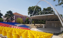 Летният театър към Военен клуб- Русе, отваря отново врати