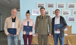 Бригаден генерал Иван Маламов връчи удостоверения и дипломи на преподаватели в Шумен